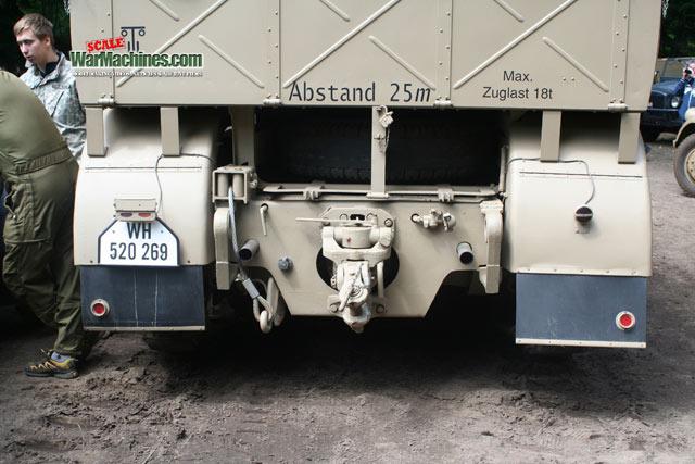 Schwere Zugkraftwagen Sdkz.9 18t Famo Halftrack